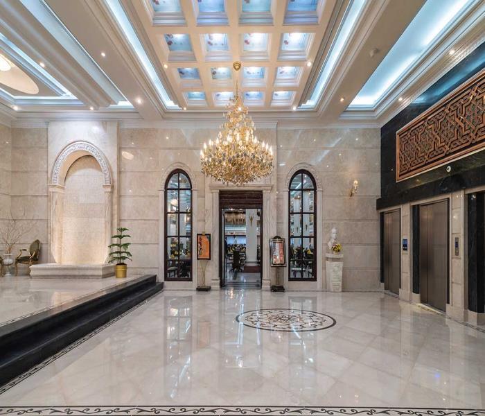 ورودی رستوران قصر